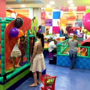 01 HORA DE DIVERSAO NA TAKE KIDS SHOP.VITORIA (ATE 14 ANOS)